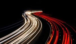 Ruido del tráfico podría aumentar el riesgo de padecer Alzheimer, según estudio